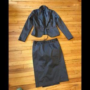 Jakob suit for women